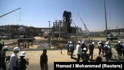 Predstavnici medija u posjetu jednom od uništenih naftnih platformi