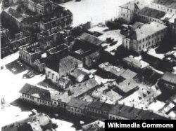 Менск, рог вуліц Нямігі і Школьнай. Аэрафотаздымак, 1941