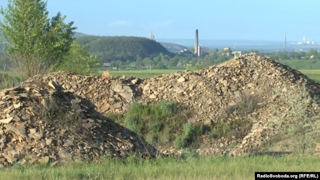 Поселок буквально стоит на угольных пластах