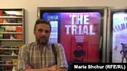 Вальтер Надь перед показом фильма «Процесс» о деле Олега Сенцова
