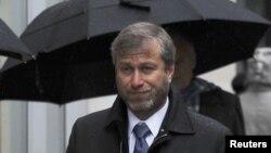 """Челси"" командасының қожайыны, миллиардер Роман Абрамович. Лондон, 19 желтоқсан 2011 жыл."