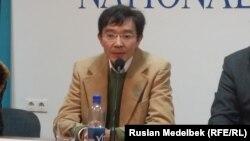 Қоғамдық белсенді Ғалым Ағелеуов. Алматы, 6 қазан 2014 жыл.
