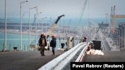 Строительство моста через Керченский пролив, апрель 2018 года