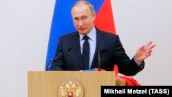 Presidenti rus, Vladimir Putin gjatë takimit të sotëm me atletët