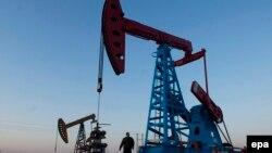 چین بزرگترین وارد کننده نفت جهان است که طی هشت ماه اول سال، روزانه ۸.۴۴ میلیون بشکه نفت خریده است