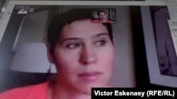 Diana Dumitru în timpul interviului de la Washington via Skype