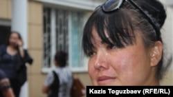 Жительница Алматы 39-летняя Гульмира Саутова после оглашения приговора по делу «о торговле младенцами». Алматы, 5 июля 2016 года.