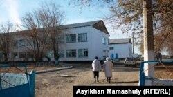 Средняя школа в сельской местности Казахстана. Иллюстративное фото.
