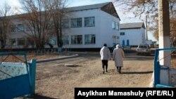 Школа в пригороде Жезказгана. Карагандинская область, 29 ноября 2013 года.
