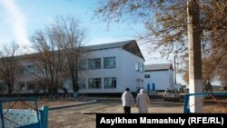 Средняя школа села Кенгир на окраине Жезказгана. 29 октября 2013 года.
