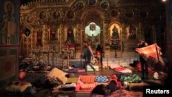 Першим до волонтерства долучився Михайлівський собор у Києві, який під час Революції гідності став прихистком і госпіталем для майданівців. Фото 19 лютого 2014 року