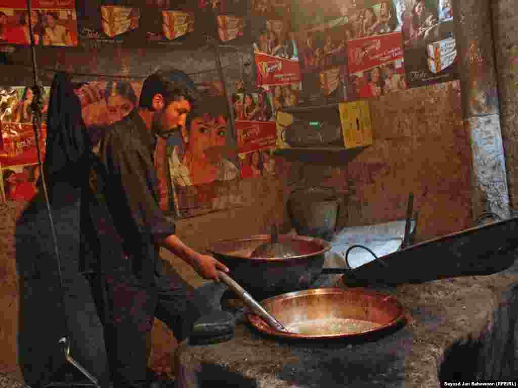 Афганистан. Подготовка сладостей на Рамазан