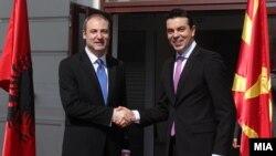 Македонски министер за надворешни работи Никола Попоски се сретна со својот албански колега, Алдо Бумчи во Скопје.