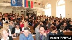 Казан федераль университеты бинасында халыкара мөнәсәбәтләр белән кызыксынучы яшьләр җыелды