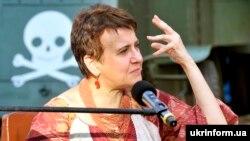 Українська письменниця та поетеса Оксана Забужко під час творчого вечора в межах Міжнародного фестивалю «Острів Європа». Вінниця, 16 червня 2019 року