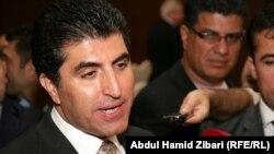 رئيس حكومة إقليم كردستان العراق نيجيرفان بارزاني يتحدث للصحفيين في أربيل