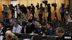 Pamje nga një konferencë per media, Gjenevë, 7 nëntor