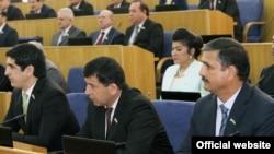 Депутаты таджикского парламента. Иллюстративное фото.