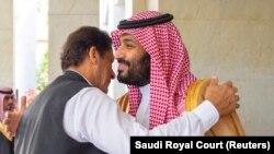 سعودي عربیه: پاکستانی وزیر اعظم عمران خان له سعودي ولي عهد محمد بن سلمان سره ریاض کې روغبړ کوي. ۲۰۱۹ز کال، ۱۹م سېپټېمبر
