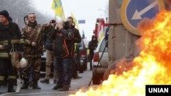 Фоторепортаж: В'їзди до Києва частково заблоковані активістами