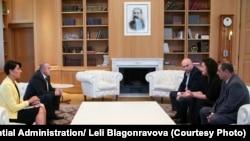 Сегодня супруга журналиста встретилась с президентом Грузии: по ее словам, его позиция радикально отличается от позиции правительства, которая аналогична видению азербайджанских властей
