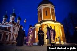 Молебен в Высоко-Петровском монастыре в Москве об избавлении от коронавируса, 22 марта 2020 года