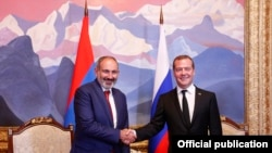 Armenian Prime Minister Nikol Pashinian and Russian Prime Minister Dmitry Medvedev during a meeting in Cholpon-Ata, Kyrgyzstan, August 9, 2019