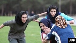 Female rugby players train in Tehran