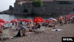 Plaža na Svetom Stefanu na crnogorskom primorju
