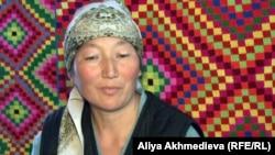 Жительница села Ешкиольмес Алматинской области Сауле Каспай. Март 2013 года.