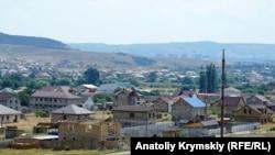 Кримське село під «тепловими» децибелами (фотогалерея)