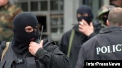 Для оппозиционного «Нацдвижения» убийство прокурора стало очередным поводом для обвинения власти в ухудшении криминогенной ситуации: с 90-х годов прошлого века в Грузии не убивали прокуроров