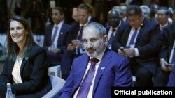 Премьер-министр Армении Никол Пашинян на Втором Парижском форуме мира, 12 ноября 2019 г.