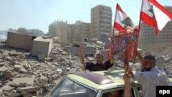 هر چند هدف ارتش اسرائيل، ضربه زدن به حزب الله، پایگاه ها و زرادخانه آن بود، اما بسياری از زيربناهای جامعه لبنان نيز به شدت ويران شد.