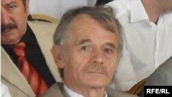 Лидер крымских татар Мустафа Джемилев. 10 августа 2009 года.