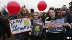 It's different this time. Young protesters in St. Petersburg.