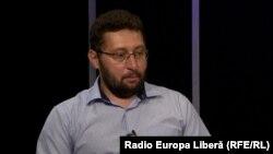 Igor Volnițchi în studioul Radio Europa Liberă