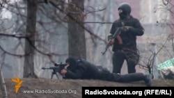 Вооруженные сотрудники спецподразделения украинской милиции. Киев, 20 февраля 2014 года.