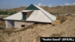 Последствия схода селевого потока в районе Хуросон, 15 мая 2020 года