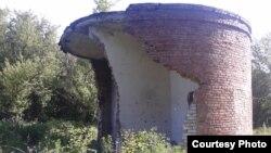 Зруйнована та розграбована насосна станція каналізаційного колектора