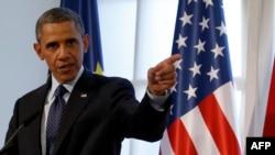 Пока Барак Обама ограничивается консультациями с союзниками и международным сообществом