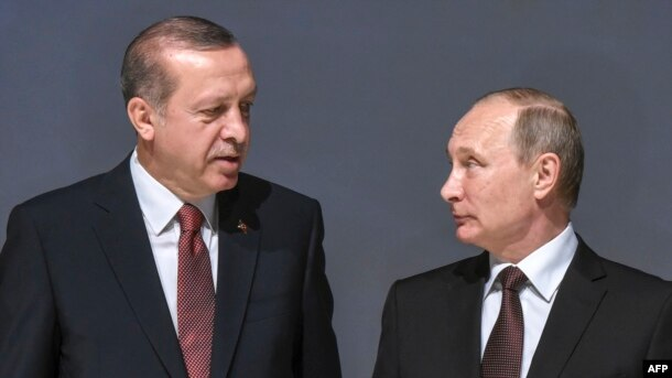 Türkiya prezidenti Tayıp Erdoğan men Resey prezidenti Vladimir Putin. Stambul, 10 qazan 2016 jıl
