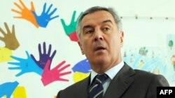 Milo Đukanović na glasačkom mjestu, 7. april 2013.