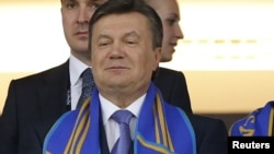 "Виктор Янукович на матче Украина-Швеция прошедшего чемпионата Euro-2012, стадион ""Олимпийский"", Киев, 11 июня 2012 года."
