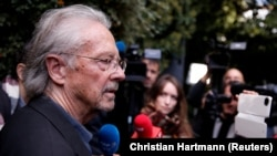 Serbia honored Austrian author Peter Handke despite the anger of many people in the Western Balkans (file photo).
