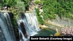 Skokovi na vodopadima rijeke Plive u Jajcu