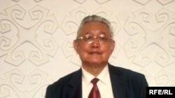 Қытай мемлекеттік жазушы және фольклоршылар одағының мүшесі, зерттеуші Зейнолла Сәнік