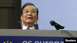 Руководители стран Азии и Европы, намерены отменить все таможенные пошлины и другие виды торговых барьеров. Со словом выступает премьер Госсовета КНР Вэнь Цзябао