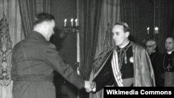 Susret Alojzija Stepinca i Ante Pavelića (lijevo)