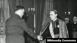 Alojze Stepinac sa poglavnikom NDH Antom Pavelićem